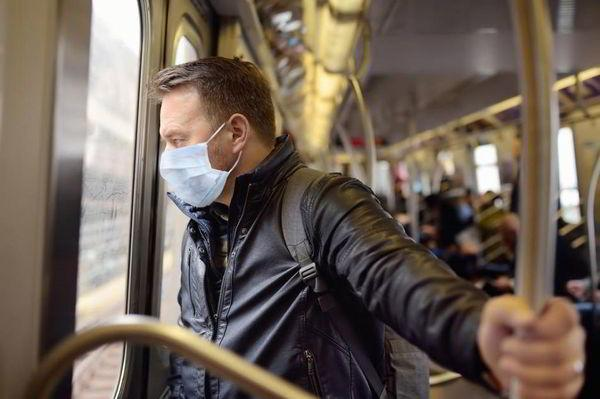 В Швеции требуют от пассажиров носить медицинские маски, но кто будет за этим следить - неизвестно